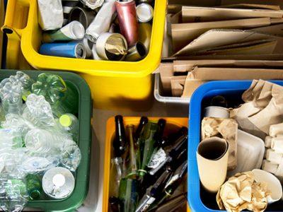 4.shutterstock_contenedores_reciclaje